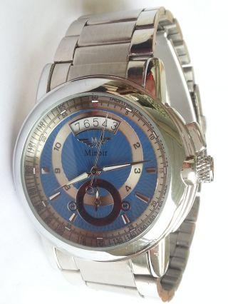 Minoir Uhr Modell