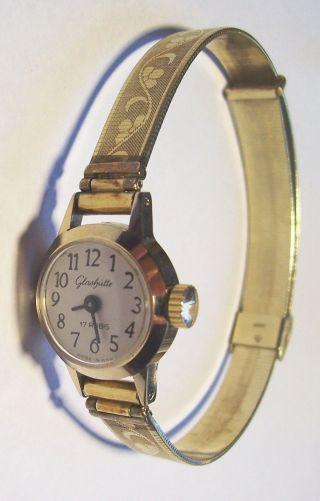 Schöne Glashütte Damen Armbanduhr 17 Rubis Made In Gdr Mit Handaufzug Bild