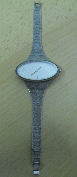 Milus Schweiz Designer Armbanduhr Silber 925 Ovales Zifferblatt Bild