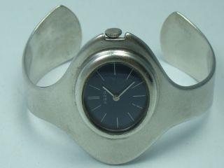 Para : Klasse Massive Designer Damen Spangen Armbanduhr Aus 835 Silber Bild