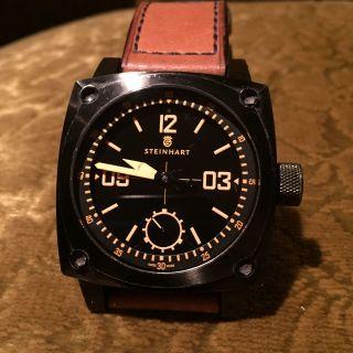 Steinhart Uhr,  Modell Aviation Orange,  Handaufzug Bild