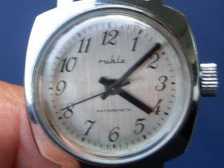 Seltene Mechanische Ruhla Armbanduhr Gut Erhalten Läuft Gut. Bild