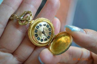 Wunderschöne Luxus Damen Uhr Mit Klappdeckel & Kette.  17 Rubine Schmuckstück Bild