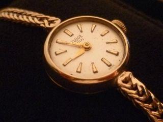 1 Tag Tudor Uhr Aus 375er Gold,  Vintage Klassiker Um 1960,  Armbanduhr,  Swiss Made Bild