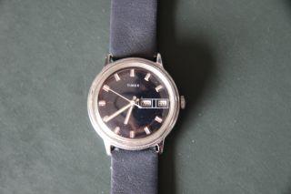 Schöne Blaue Timex Herrenarmbanduhr Hau Handaufzug Mit Datum Und Wochentag Bild