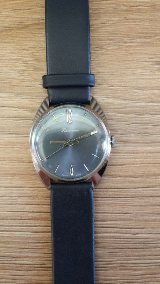Luzerne Armbanduhr Bild
