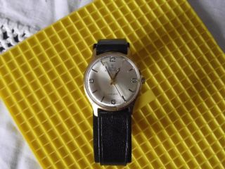 Mechanische Armbanduhr
