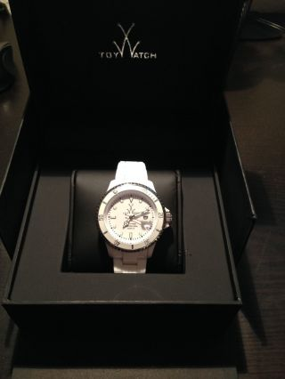 Toy Watch Fluo Xl White Armband Uhr Damen Herren Weiss Neuwertig Fl24wh Bild