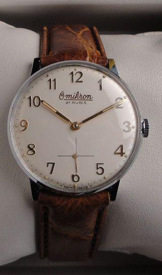 Vintage Armbanduhr Omikron–handaufzug Cal.  6325 – Leicht Ablesbares Zifferblatt Bild