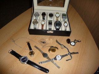 Konvolut Uhren In Vitrine Aus Nachlass Herrenuhren Damenuhren Armani Bastlerware Bild