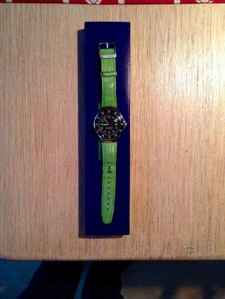 Taucheruhr Damen/herren Uhr Sport Von Benetton Selten Bild
