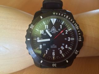 Taucheruhr Von Swiss Military Watch Bild