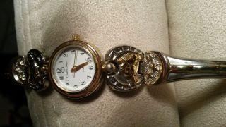 Damen Uhr Pferdekopf Bild
