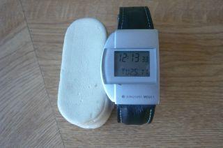 Junghans Armbanduhr Mega 1 Erste Funkuhr Der Welt Bild