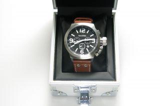 Tw Steel Uhr Herren Braun Lederband Tw - 6 Edelstahl Weinachten Schwarzes Ziffer Bild