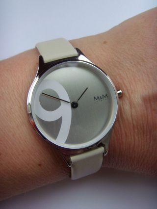 M&m Germany Uhr Damenuhr M11898 - 949 Geradlinig Lederband Beige Big Nine Bild