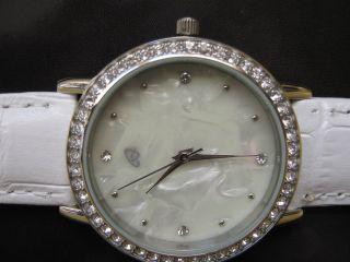 Auriol Elegante Damen Armbanduhr Echt Lederarmband Perlmut Mit Glitzersteinen Bild