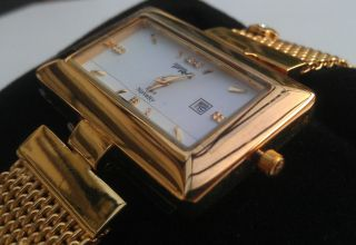 Edle Damen Designer Uhr Gold Weiß Eckig Armbanduhr 18 K Vergoldet Bild