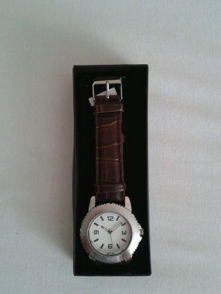 Armbanduhr Modernes Zeitloses Modell Avon Bild