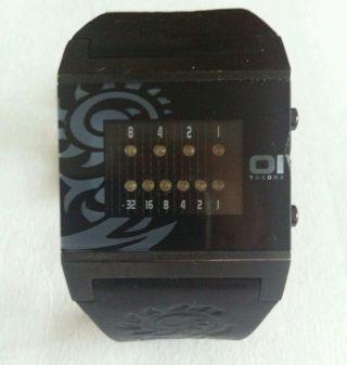 The One Binary Herren Armbanduhr,  Lederarmband Bild
