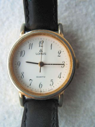 Armbanduhr Der Marke Lorus - Schwarzes Lederarmband,  Damenuhr,  Quarz,  Retro Bild