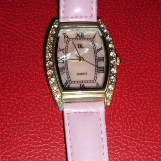 Armbanduhr Mit Roséfarbenem Armband Und Eingelegten Strass - Steinen,  Goldfarben Bild