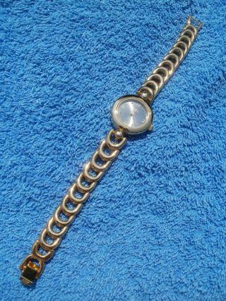 Neue Armbanduhr,  Gold,  Quartz Bild