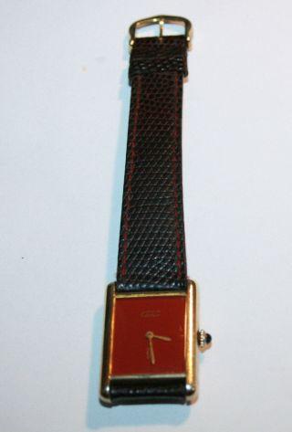 Cartier Damenuhr Tank Silber Vergoldet Bordeaux Ziffernblatt Handaufzug Bild
