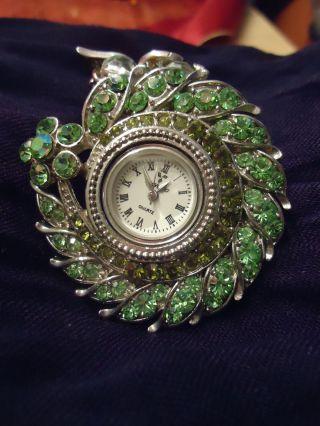 Wunderschöne Swarovski Uhr Bild