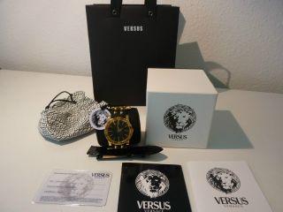 Versace Versus Damenuhr Aus Der Neuen Miami Kollektion Bild