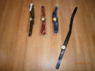 4 Armbanduhren Schwarz,  Braun,  Blau Und Rot; 3 Davon Ovp; Echtleder ? Bild