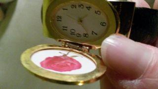 Seltene Damen Uhr Zum Aufklappen Mit Platz Für Ein Foto Bild