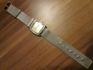 Eternal Love Armbanduhr Für Die Frau Verchromter Edelstahl Mit Strass Besetzt Bild