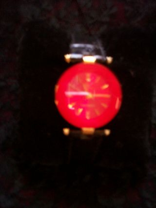 Rote Damen Armbanduhr Von Christian View Mit Facettiertem Glas,  Lederarmband Bild