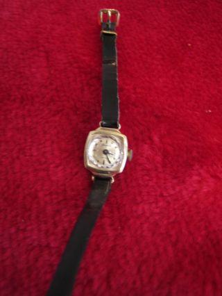 Goldene Damenarmband - Uhr - Glashütte - 17 Rubis - Bild