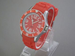 Tom Watch,  Strawberry Red,  44 Mm,  Wa00005 Bild