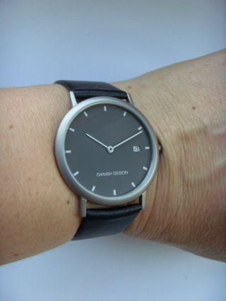 Uhr Titan Matt Danish Design 3316110 Dänisches Design Lederband Iq13q272 Bild