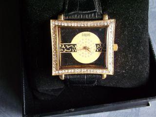 Damenuhr Armbanduhr Vergoldet Und Mit Datum Manufaktur Croques Cro - 7962 Bild