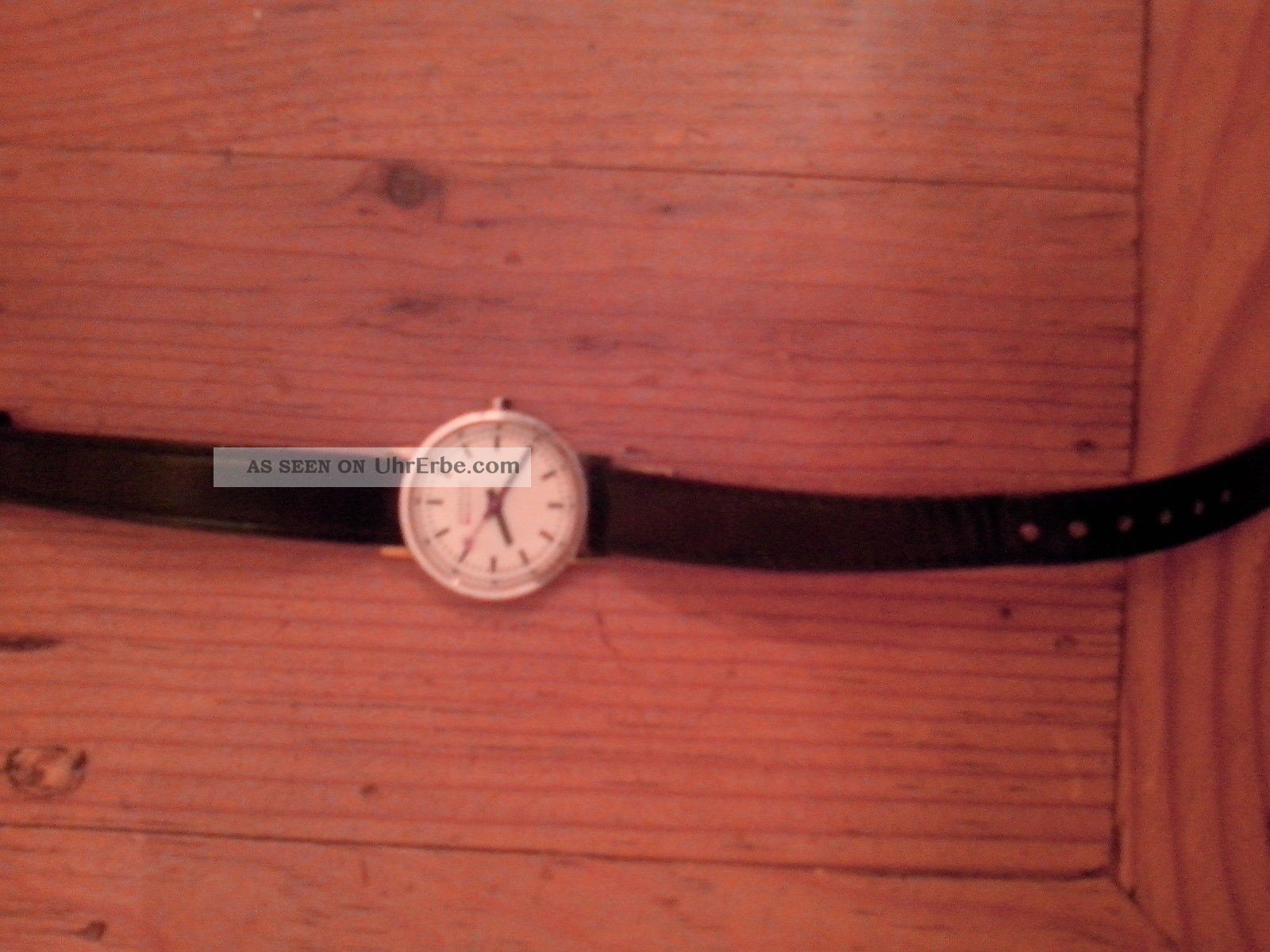 Mondaine Bahnhofsuhr Für Damen Armbanduhren Bild
