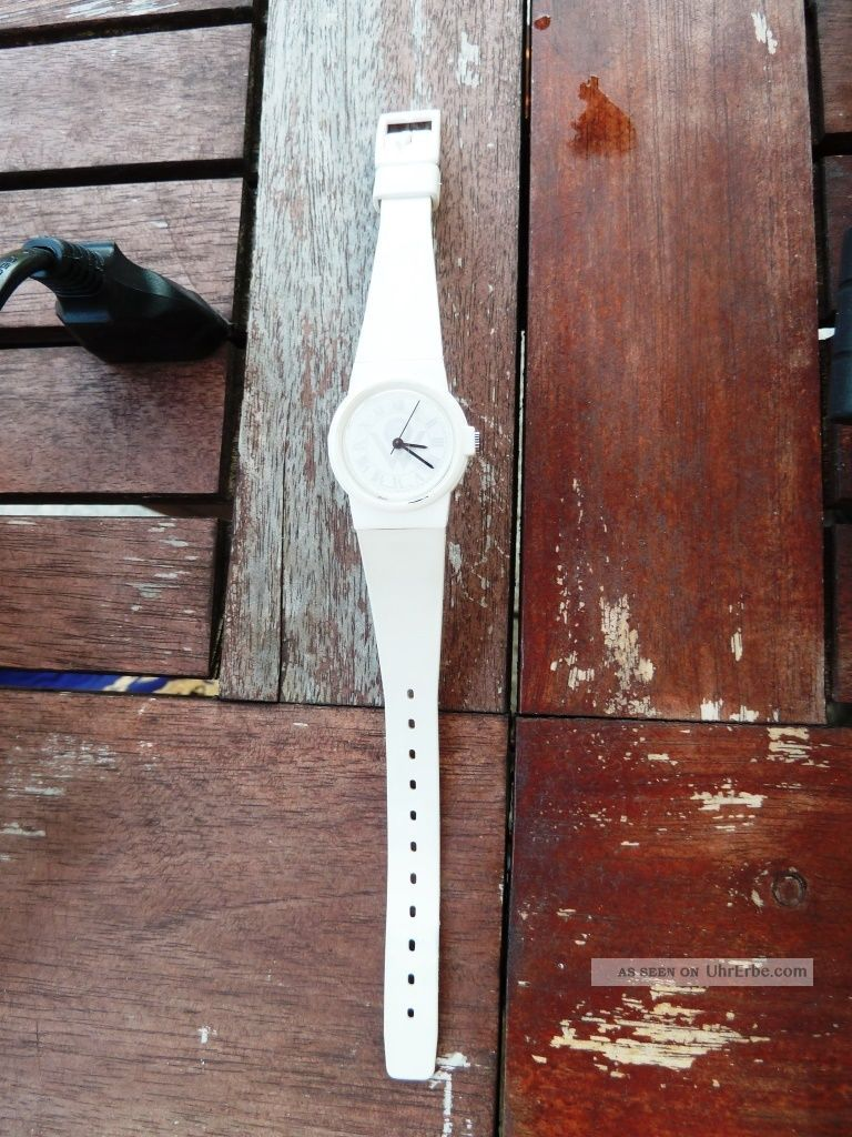 wei e kunststoff damen armbanduhr meier 39 s weltreisen silikonarmband weiss. Black Bedroom Furniture Sets. Home Design Ideas