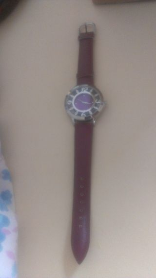 Avon Uhr - Lila - Quartz - Stainless Steel Back - Bild