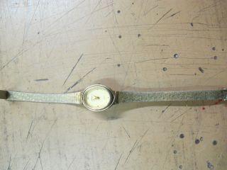 Uhr Damen Armbanduhr Timex Erbstück Oma Armband Damenuhr Gold? Quarz? Band Bild