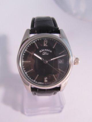 Häusser Modell Drei Armbanduhr Schwarz Quarz Unisex Bild