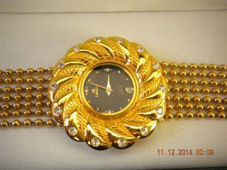 Damen Armbanduhr Von Laurine Bild