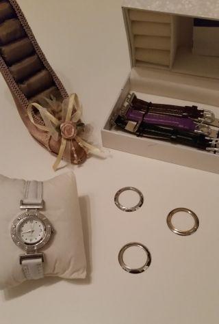 Uhr Damenuhr Mit Auswechselbaren Armbändern Bild