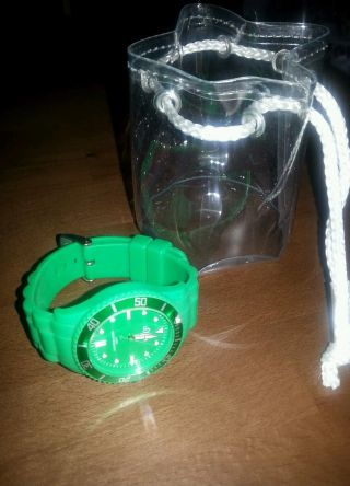 S.  Oliver Special Silikon Uhr So - 2569 - Pq Damenuhr Grün Damen Bild