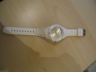 Armbanduhr In Weiß // Unisex // Damen // Bild