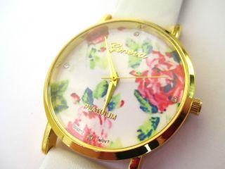 Geneva Damen - Armbanduhr Weiß Blumen Blüten Blogger Gold Rosen Vintage Uhr Bild
