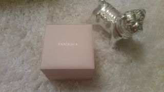 Pandora Uhr Petit Square Mit Geschenkverpackung Bild