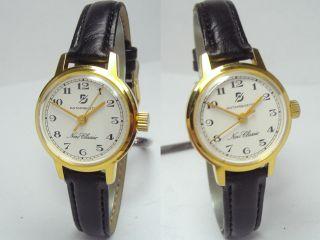 Goldene Ddr Vintage Damenuhr Mit Neuem Armband Export Modell Handaufzug Bild